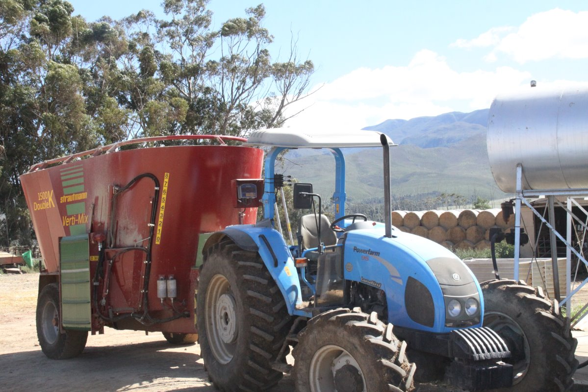 Loch Lotus runs the top producing cows on TMR rations. The mix wagon which has a capacity of approximately 5 tonnes, depending on the moisture percentage used in the mixture, can be seen here.