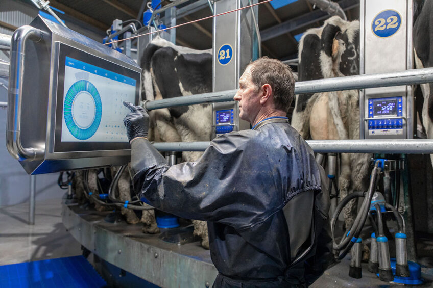 The feature called OptiCruise uses artificial intelligence to control the speed of the rotary platform. Photo: Dairymaster