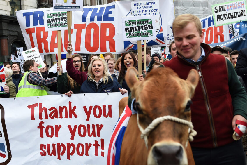 Farmers protest in London