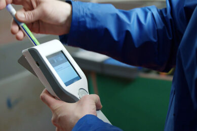 The Intra Hygiene Quick Scan can be used to obtain reliable results from water samples. Photo: Intracare
