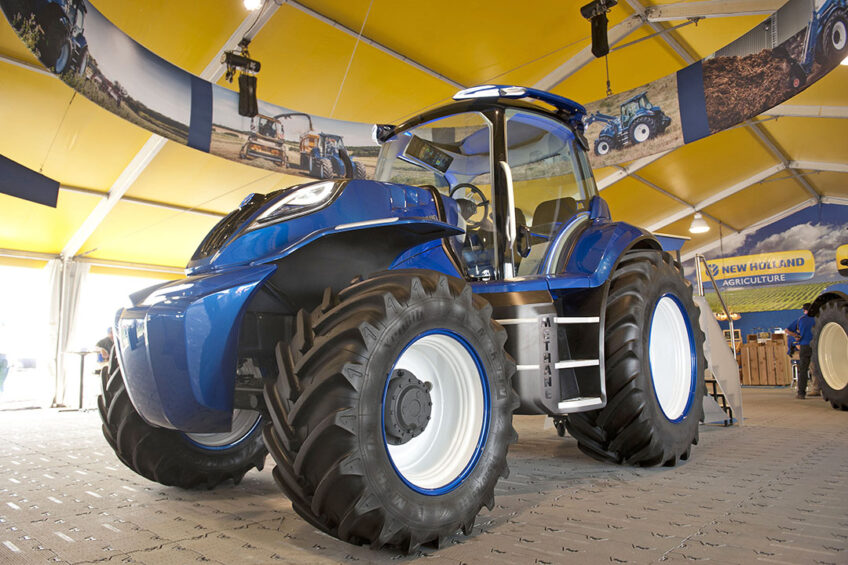 At Agritechnica 2017 New Holland presented a 180hp methane tractor. In production in 2020. Photo: Mark Pasveer