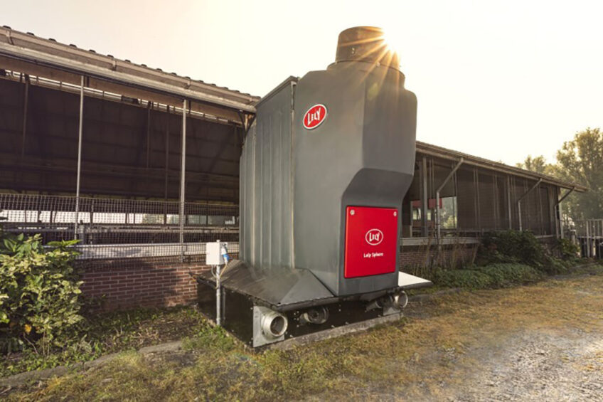 The Lely Sphere is 3.6kg NH3 per animal space per year, reducing emissions by more than 70% compared to barns with traditional slatted floors. Photo: Lely